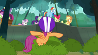 Scootaloo 'Um... don't come this way!' S3E06