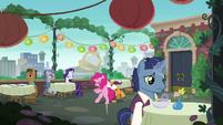 Pinkie Pie accidentally bumps into a waiter S6E3