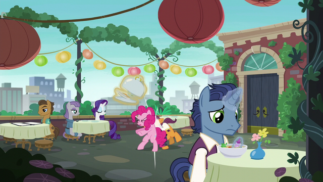 File:Pinkie Pie accidentally bumps into a waiter S6E3.png