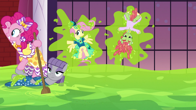 File:Pinkie Pie sails the sea of slime S5E7.png