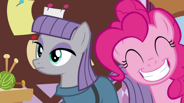 File:Pinkie with a big grin S4E18.png