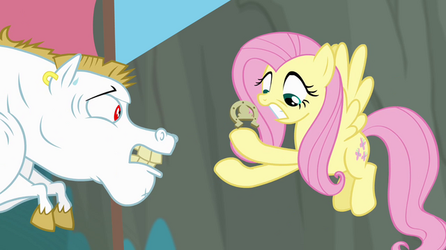 File:Fluttershy fumbles with horseshoe S4E10.png