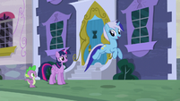 Minuette jumps up S5E12
