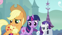 Twilight, Applejack and Rarity trotting S3E2