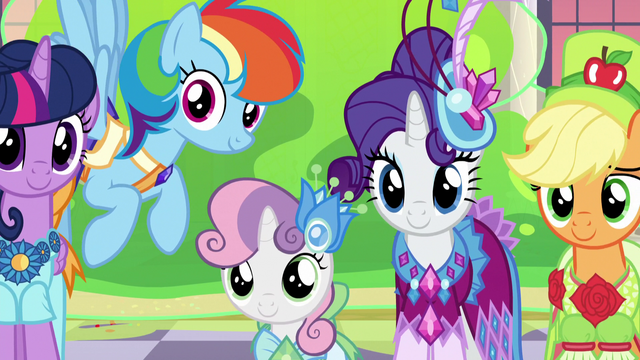 File:Twilight and friends impressed by Tree Hugger S5E7.png