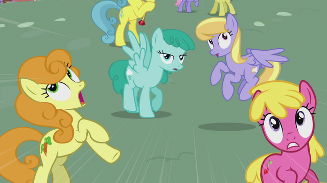 File:Ponies get out of the DJ station's way S5E9.png