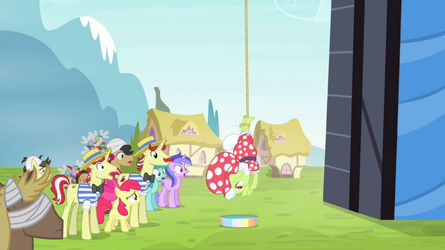 File:Granny Smith dangling from lasso S4E20.png