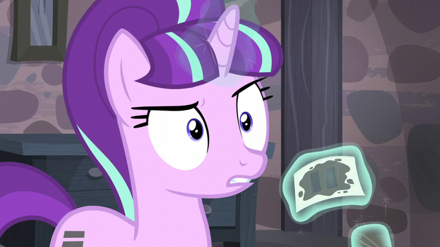 File:Starlight hears something S5E02.png