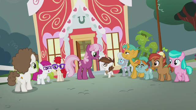 File:Cheerilee talking with foals outside school S5E18.png
