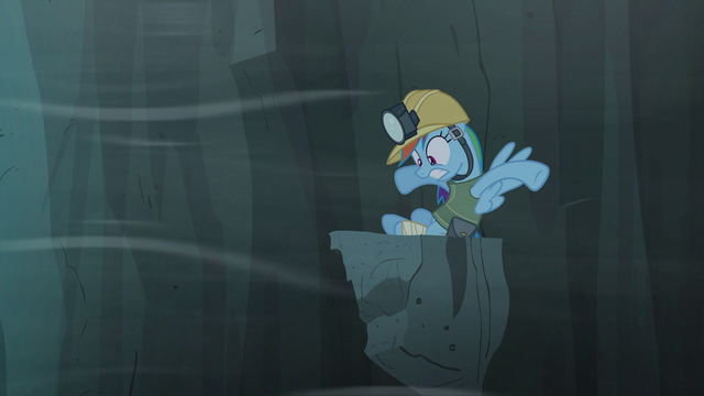 File:Rainbow back on the ledge scared S5E8.png