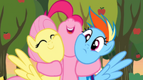 Pinkie Pie hug 2 S2E15