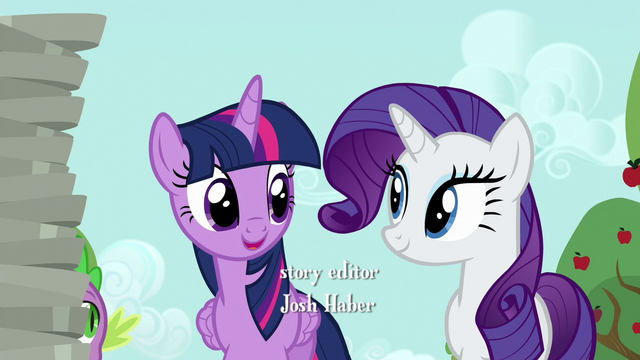 File:Twilight greets Rarity S6E10.png
