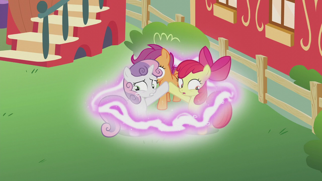 File:Magical energy surges around Crusaders S5E18.png