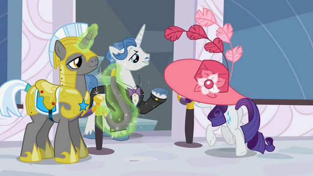 File:Guard letting Rarity go through S2E9.png