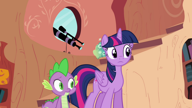 File:Twilight and Spike watching Pinkie S4E09.png