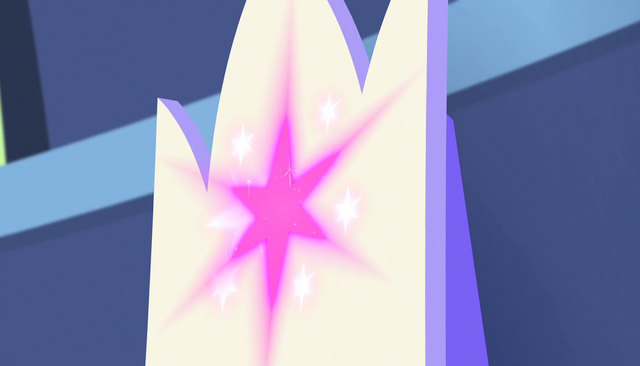 File:Cutie mark on Twilight's throne shines S5E1.png