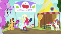 Orchard Blossom calls Apple Bloom S5E17