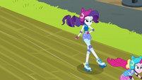 Rarity whips Pinkie Pie forward EG3
