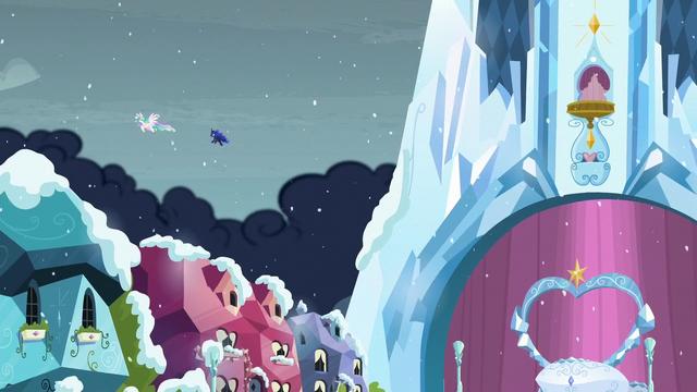 File:Princesses Celestia and Luna flies off S6E2.png