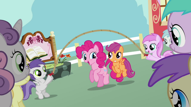 File:Pinkie Pie Scootaloo skipping S2E18.png