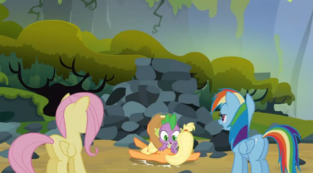 File:Spike landing on Applejack S3E9.png