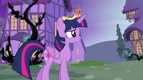 Twilight 'I saw something from a long time ago' S4E02