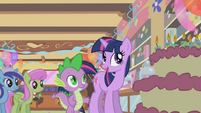 Twilight talking to spike at the party S1E5