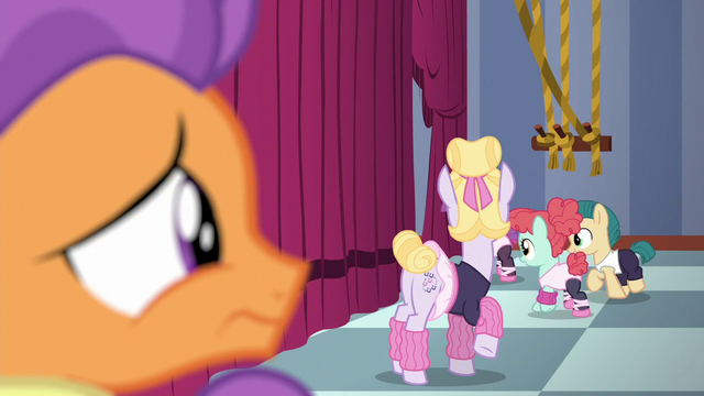 File:Tender Taps looking at Hoofer Steps and dance class S6E4.png