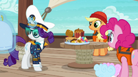 Rarity levitating her big food tray S6E22