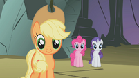 Fluttershy's friends being supportive S1E07