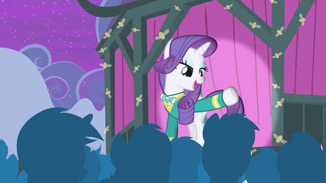 File:Rarity greeting the citizens of Ponyville S4E14.png