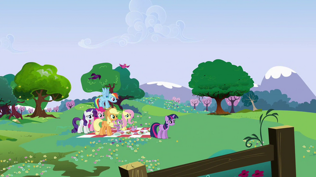 File:Twilight expresses her concerns S02E25.png