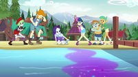 Rarity discovers gem dust in the lake water EG4