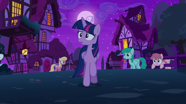 File:Twilight goes looking for Starlight Glimmer S6E6.png