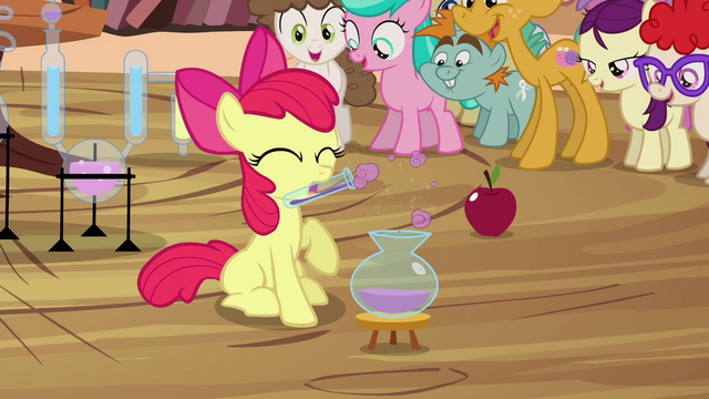 File:Apple Bloom making potion for audience S4E15.png