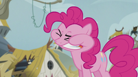 Pinkie chewing the scone S5E8