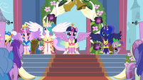 Twilight at her coronation S3E13