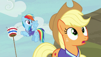 Rainbow and Applejack in pleasant surprise S6E18