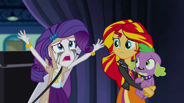 File:Rarity runs backstage crying EG2.png