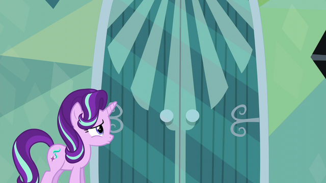 File:Starlight Glimmer waiting for an answer S6E1.png
