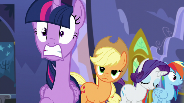 File:Twilight shocked by trumpet sounds S5E11.png