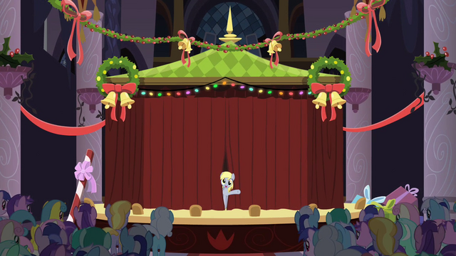 File:Derpy On Stage S2E11.png