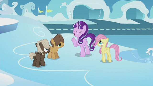 File:Starlight Glimmer talking to Hoops and Dumb-Bell S5E25.png