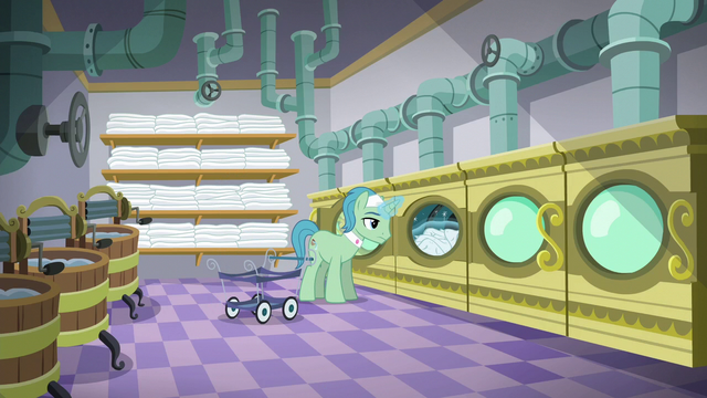 File:Spa Worker in the laundry room S6E10.png