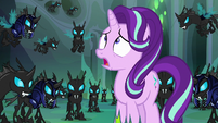 Thorax listening to Queen Chrysalis S6E26