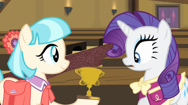 File:Coco presents a trophy to Rarity S4E08.png
