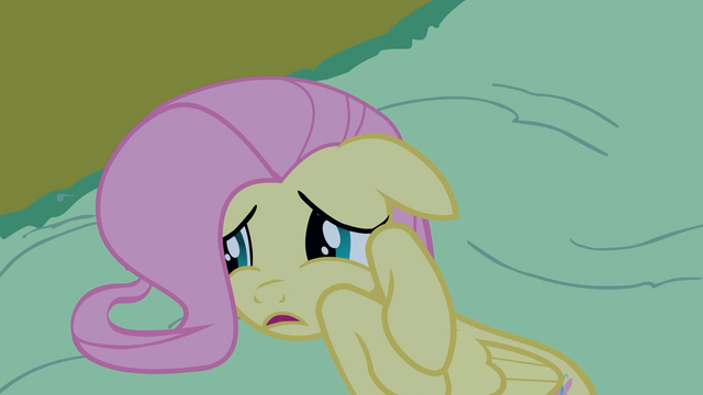 File:Fluttershy frightened on the ground S2E04.png
