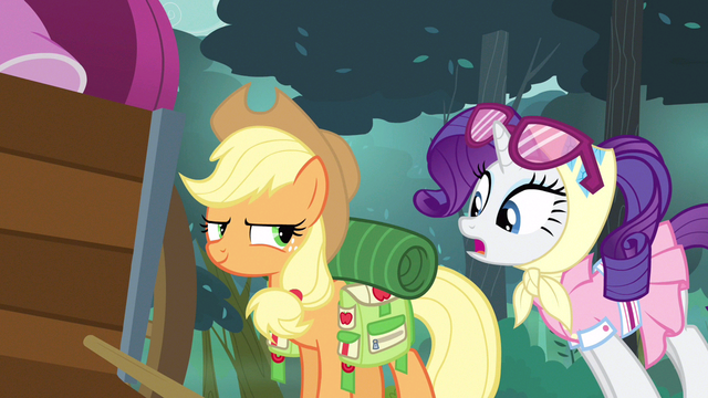 File:Rarity good outfit shot S3E6.png