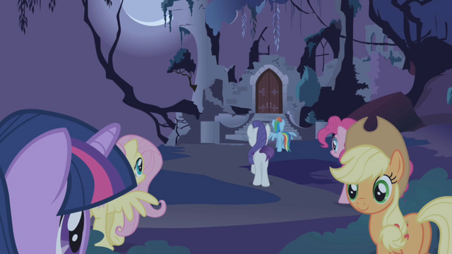 File:Mane 6 approaching the castle S1E02.png
