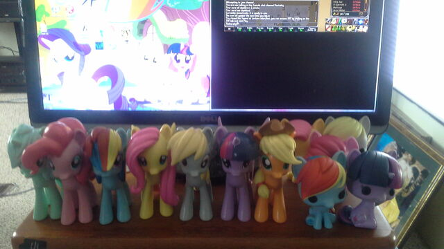 File:FANMADE ponies on table.jpg